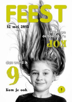 Maak een hippe uitnodiging. Vervang de achtergrondfoto en wijzig de naam, de tekst, de kleur & de datum. Te vinden op: https://www.kaartje2go.nl/uitnodigingen/uitnodiging-kinderfeest-cover-magazine-4