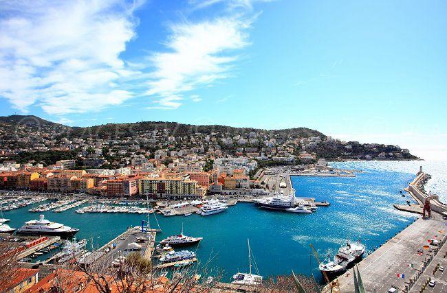 Port de Nice depuis la colline du Château