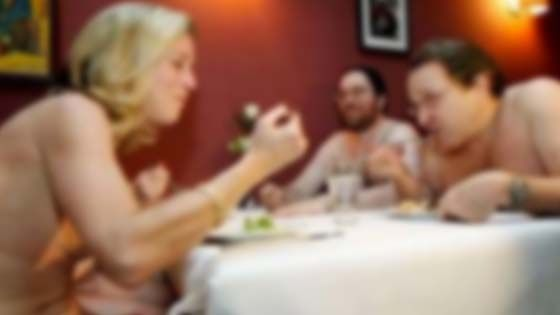 Restoran Bogel Pertama di London Bakal Dibuka   LONDON  Sebuah restoran yang membolehkan semua pelanggannya menjamu hidangan dalam keadaan tanpa pakaian bakal dibuka kepada awam menjelang musim panas pada Jun akan datang di ibu kota England Britain.  Restoran The Bunyadi ini ditujukan untuk mewujudkan pengalaman bersantap yang mesra semula jadi bagi setiap pelanggannya. Makanan yang dihidangkan malah segar dan pengunjung bebas daripada kehidupan moden kini lapor Mynewshub.  Ini termasuk…