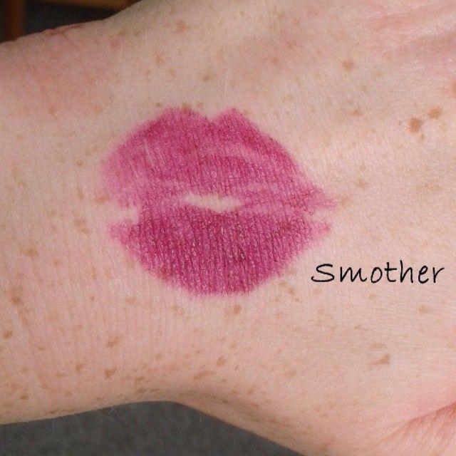 Posílám zpátky pusinku pro Anetku z Palatinphotography ) Odkaz na rtěnku zde: www.befabulous.cz/makeup/lips/smother-detail #lips #sleek #befabulous #PalatinPhotography #makeup  #nice #kiss