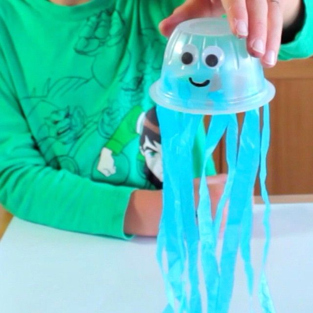 Josh is going to show you how to make a jellyfish using a plastic cup, tissue paper and some googly eyes! www.roomtogrow.tv #kidsactivities #kidscraft