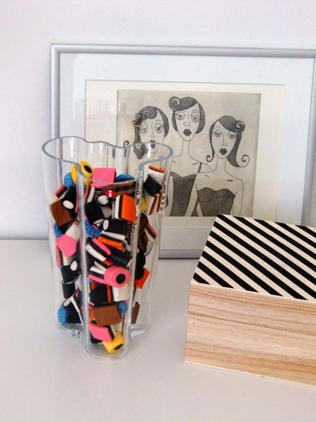 Many uses of the Aalto vase from Iittala, great idea to hold those sweets in too!