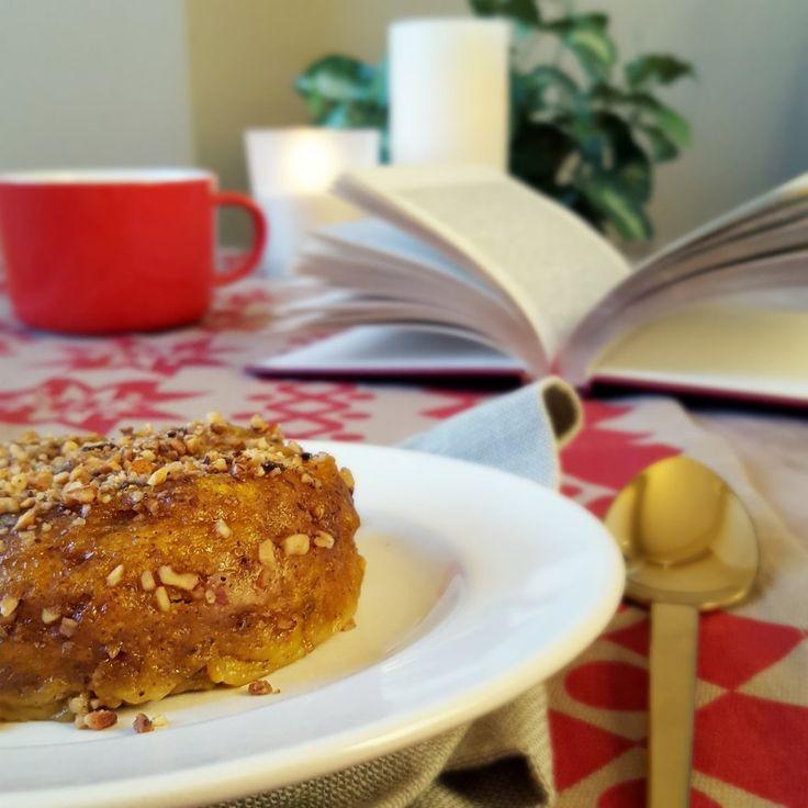 Mug cake sucré au potimarron et noisette (vegan) 2 CS de farine 1 CS de sucre complet (ou de fleur de coco) 1 bonne pincée de cannelle 1 pincée de levure chimique (ou de bicarbonate de soude)  Ingrédients humides : 1 CS de purée de noisette 1 CS d'eau 2 CS de chair cuite de potimarron (ou de potiron, butternut...)  Topping : 1 CS de pralin (= mélange de noisettes caramélisées, concassées assez finement)