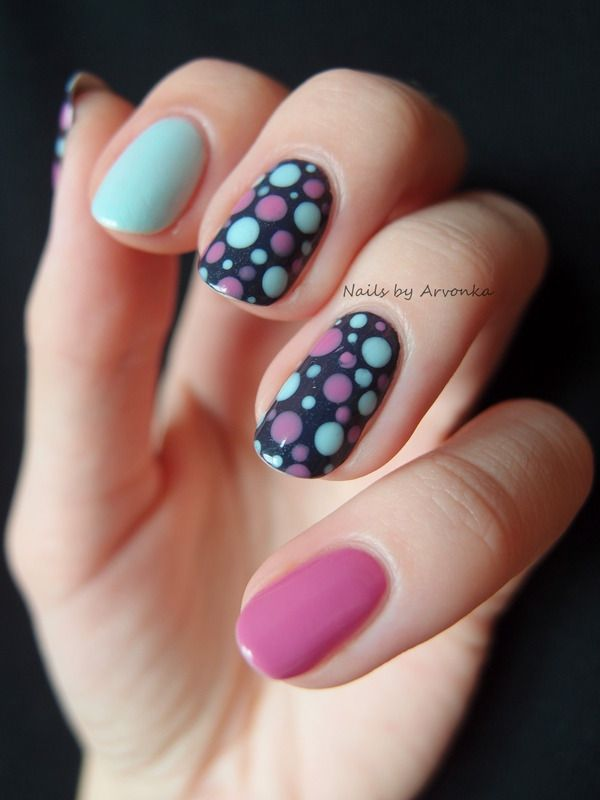 Get playful with this pastel polka dots and mismatched nail color manicure! Pink Pad - the app for women - pinkp.ad