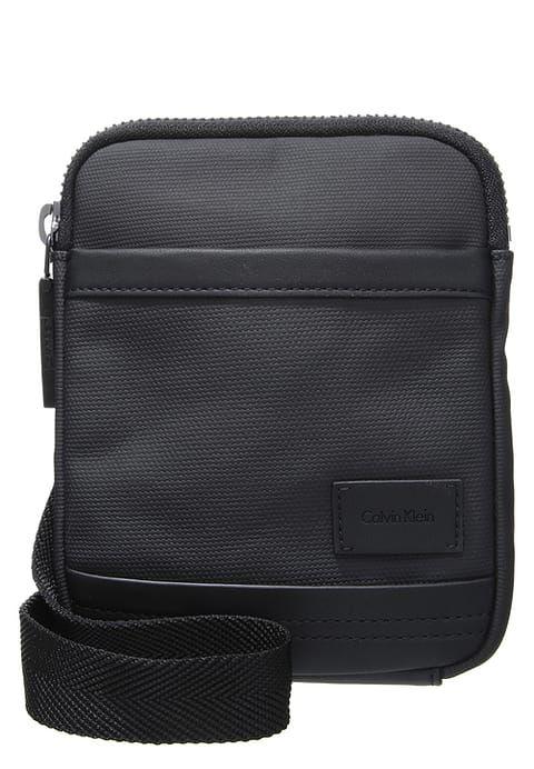 Accessoires Calvin Klein Jeans ETHAN 2.0 MINI FLAT CROSSOVER - Sac bandoulière - black noir: 69,90 € chez Zalando (au 02/01/17). Livraison et retours gratuits et service client gratuit au 0800 915 207.