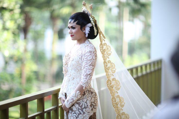 Akad nikah dengan adat Jawa dipandu oleh Mamie Hardo - www.thebridedept.com