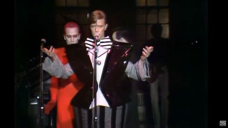 """'SNL' Pays Homage to David Bowie With """"Man Who Sold the World"""" Clip (Video)  Fred Armisen returned to 'Saturday Night Live' to introduce a clip of the legendary musician performing in 1979.  read more"""