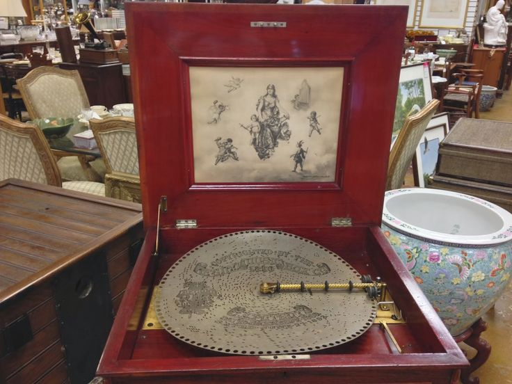 Картинки по запросу old music box with metal disks
