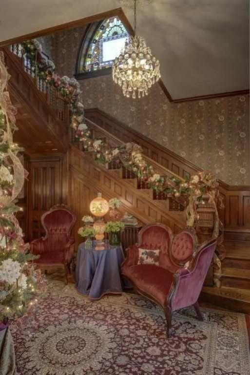 1890 Queen Anne staircase