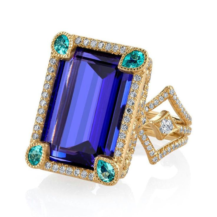 Erica Courtney is a real magician with colored gemstones. Testament to this is the gorgeous @ericacourtneyjewels Coco ring, featuring a tanzanite, accented with Brazilian paraiba tourmaline and diamonds.