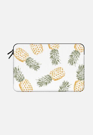 Pineapple Macbook Pro 15 sleeve by Rui Faria | Casetify