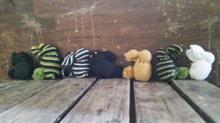 Finished Objects – Knitted Bunnies – MrsKirstyHoll