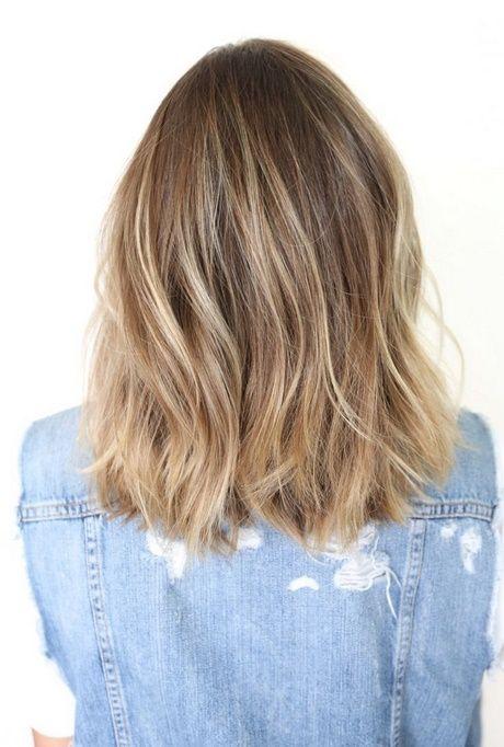 Schulterlange Haarrückansicht Frisuren Schulterlanges