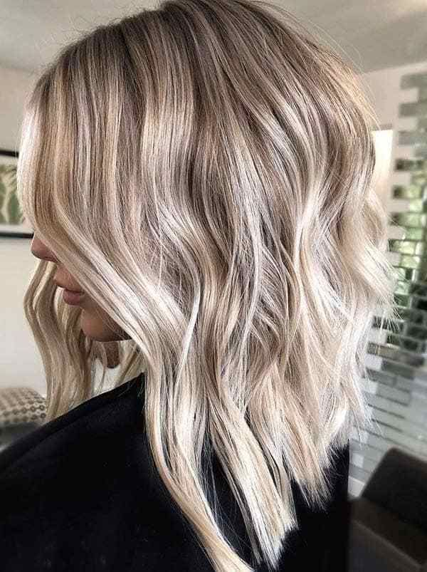 Gorgeous Lob Haircut Styles For Women To Sport In 2020 Hair Styles Lob Haircut Haircut Styles For Women