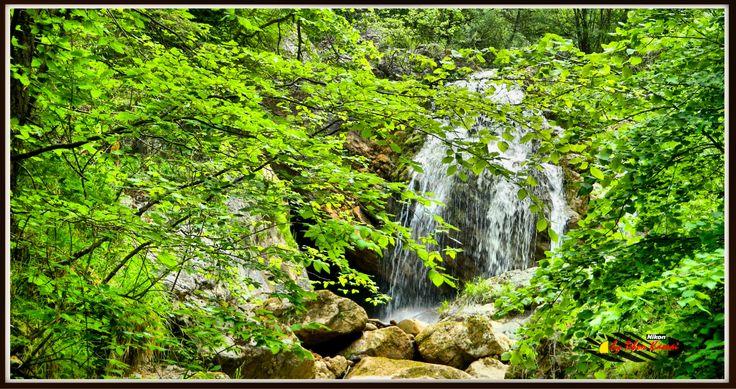 Mixnitz bach, Steiermark, Österreich, Nikon Coolpix L310, 23.2mm, 1/60s, ISO80, f/4.7, panorama mode: segment 2, HDR-Art photography, 20150530