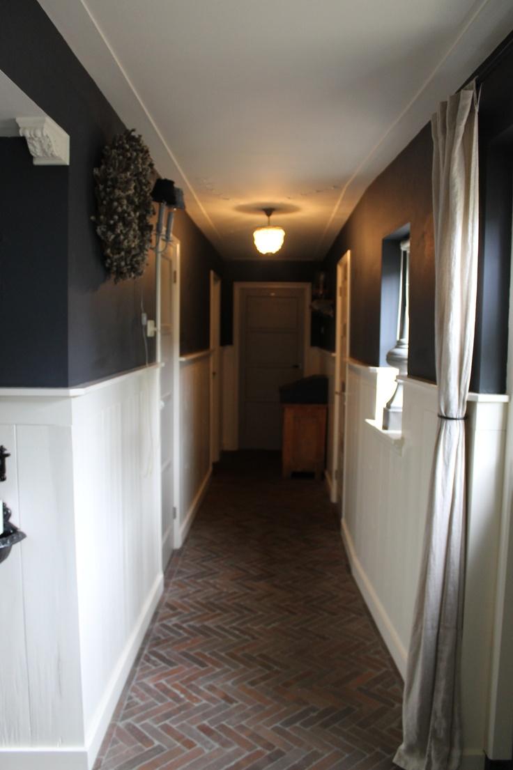 Bij vriendin - i like the two-toned walls