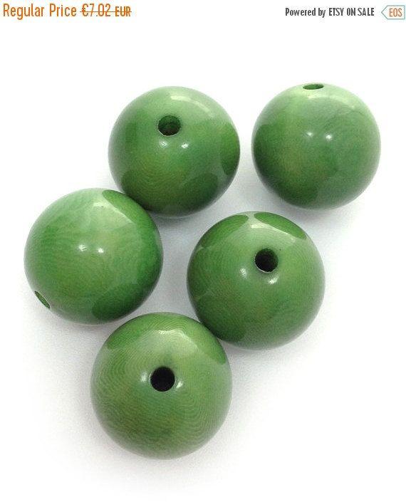 Tagua perlen, rund, grün, 17mm, 5 Stück, runde Perlen, tagua beads, natural beads, green beads, big round beads, rainforest beads, beads
