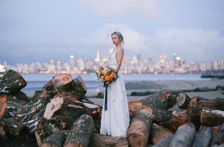 Vancouver bridal, Vancouver bride wearing Truvelle bridal. Grey and yellow wedding. Vancouver wedding photography. Bridal inspiration. Grey hair, grey bridal hair.