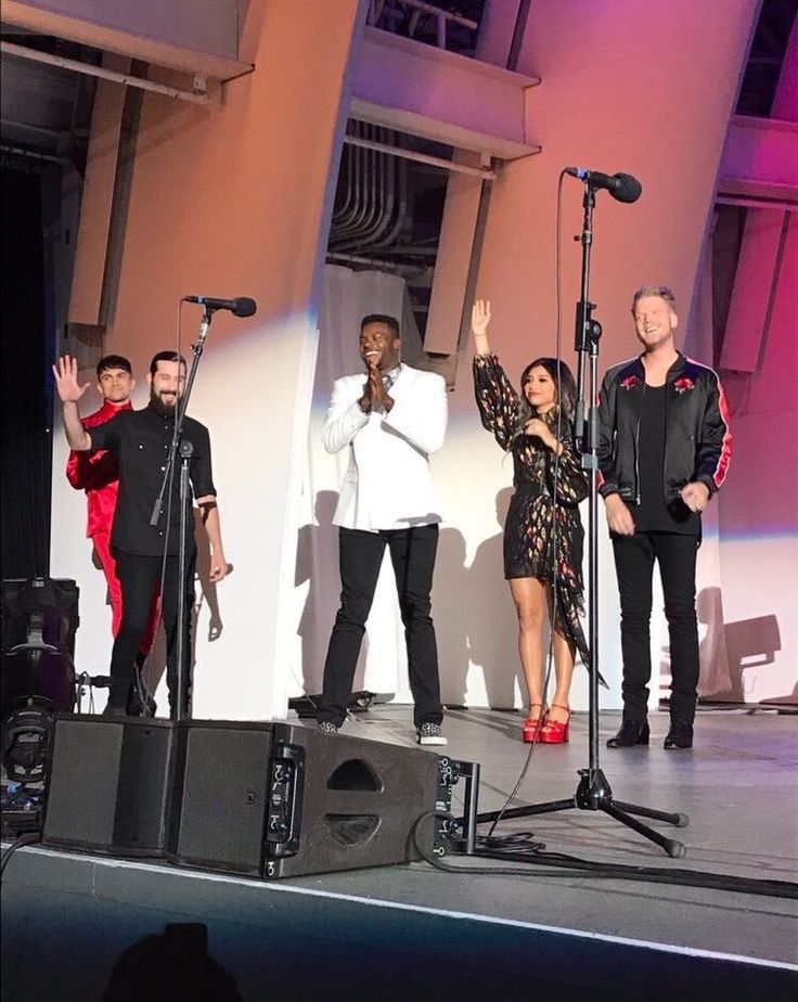 """""""@PTXofficial: We will never forget performing 3 SOLD OUT #PTXHollywoodBowl shows! Thanks to everyone who came out! IT WAS MAGICAL: @BrittanyHeise"""""""