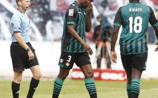 Paulao, incredulo ed in lacrime, chiede il cambio #paulao #calcio #betis #autogol