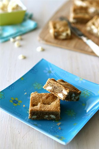 White Chocolate Chip Bar Recipe with Brown Butter & Espresso @Cookin ...