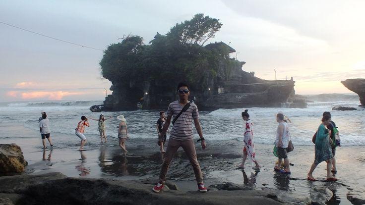 Spot cantik dalam Bali tujuan wisata yang sangat perlu diperhatikan – Bali tujuan wisata wajib kita ketahui bersama bila dalam waktu dekat kita berencana liburan ke Bali. Bali sendiri adalah surganya daerah wisata, karena selain keindahan alam yang tak perlu diragukan lagi, Bali menyajikan apapun yang kita butuhkan selama berwisata disana. Di Bali kita tidak akan pernah kebingungan mengenai tempat penginapan, tempat makan, tempat belanja hingga persewaan...