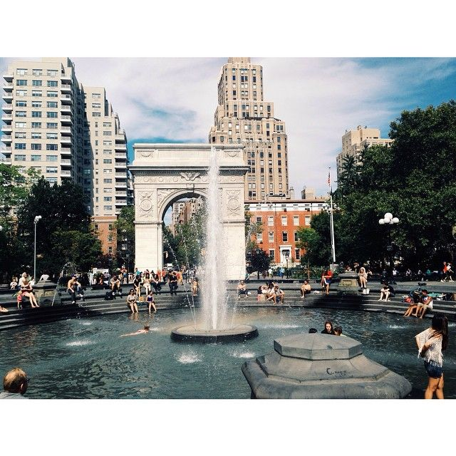 Washington square⛲️WASHINGTON SQUARE PARK This is the unofficial center of NYU, so naturally, Washington Square Park is teeming with students, artists, and other interesting people. You'll see a variety of people, but around these parts, most will be very good-looking and well-dressed. In the summer, enjoy the sun and people watch. In the winter, Washington Square Park makes for a nice, relaxing stroll, but make sure to bundle up!