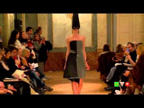 http://www.hdtvone.tv/videos/2015/02/09/altaroma-lo-sguardo-sulla-laguna-collezione-ss-2015-di-vittorio-camaiani