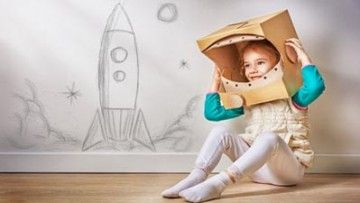 Let's go back in time, shall we? To learn about the #space visits of people from the past…#kids #History http://www.youngworldclub.com/articles/people-in-space/