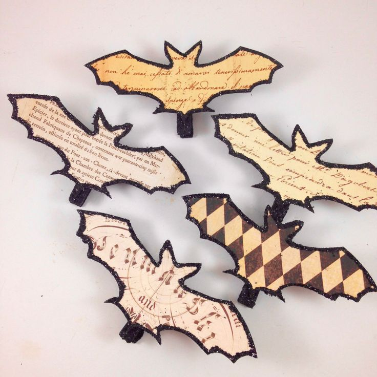 Halloween Clothes Pin Ornaments 5 Vintage Paper Bats by SparkleLovesWhimsey on Etsy https://www.etsy.com/listing/475230587/halloween-clothes-pin-ornaments-5