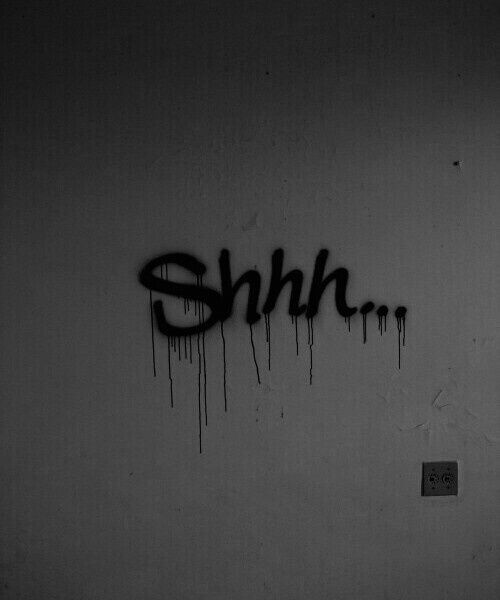 Imagen de shhh, silence, and graffiti