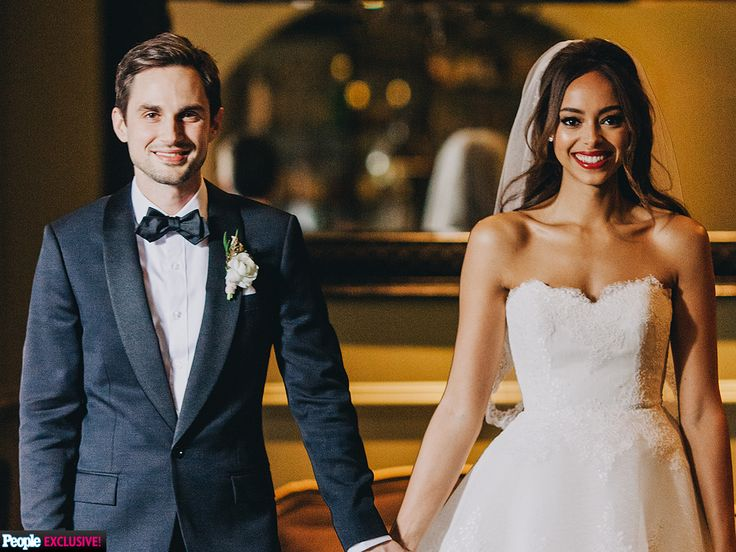 The onetime Greek costars exchanged vows Friday in Los Angeles, PEOPLE confirms exclusively