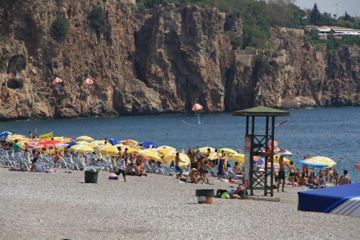 Antalya 5M Migros 08 - 09 Eylül tarihlerinde Antalya'nın ünlü Konyaaltı ve Lara plajlarında gün boyunca süren sürpriz hediye yağmuruyla tatilcilerin sürprizlerle dolu heyecanlı bir hafta sonu geçirmesine ortak oldu!
