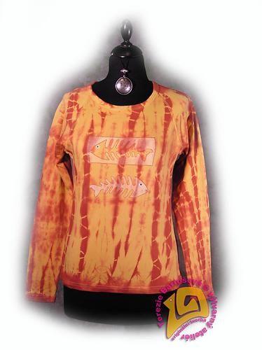 TRIKO NA RYBY PRO DÁMY Velikosti: S, M, L, XL, XXL Barva:žluto-červená batika Technika: ruční zpracování batika + kresba Složení: 100% bavlna Střih: klasický dlouhý rukáv MOŽNOSTI OBJEDNÁNÍ VOLITELNÝCH VELIKOSTÍ