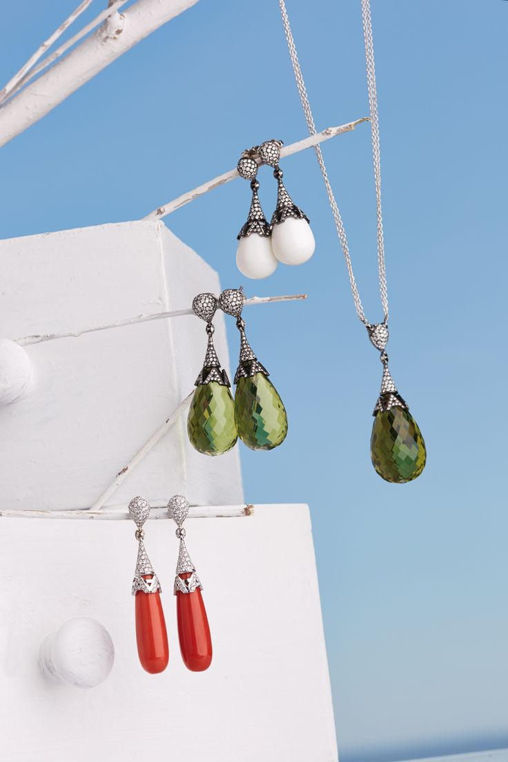 Angeletti 1940 angeletti1940.com AA collection, oro, diamanti con corallo, ambra verde o opale bianca