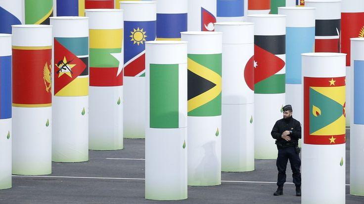 PARIS (NRK): Vil dei bli samde denne gongen? Det gjekk dårleg sist dei prøvde, i København i 2009. I dag startar klimatoppmøtet i Paris – COP 21 – med forhandlarar frå 196 land på plass.