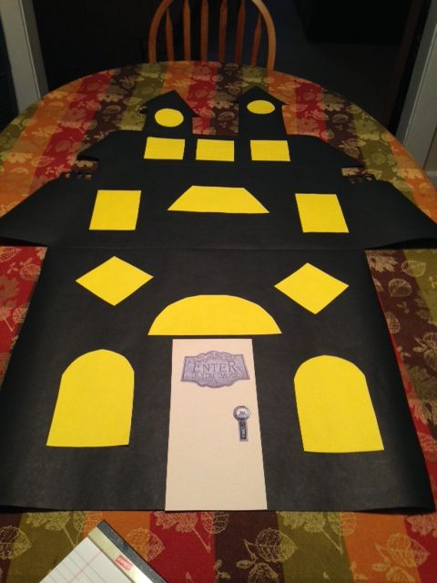 Halloween bulletin board - I'm taking photos of my kids in ...