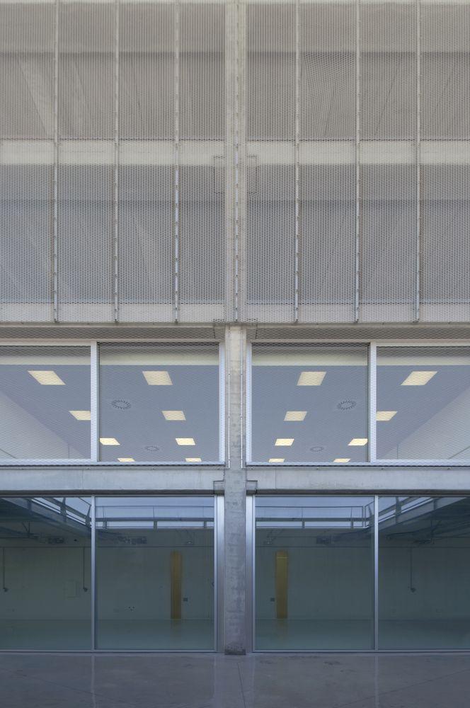 Galería de Campus Motor / Pere Puig Arquitecte - 2