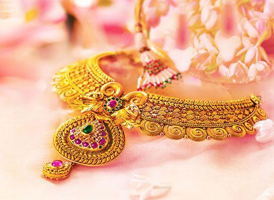 A Well Carved Neckpiece For Beautiful Bride Indian Jewellery Designbridal