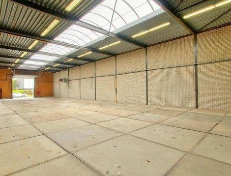 Vrijstaande bedrijfsruimte te huur aan de steiger 128 in Almere, Betreft 1.200m2 met een vraagprijs van     €2.800,- per maand.  Interesse/bezichtigen? Kom direct in contact met de eigenaar bel 085-4013999  http://www.huurbieding.nl/huur/bedrijfsruimte/1-01175/almere/de-steiger-128.html  #bedrijfsruimte #kantoorruimte #tehuur #almere #opslag #transport #huren #flevoland #bieden #huurprijs #huurbieding #beschikbaar