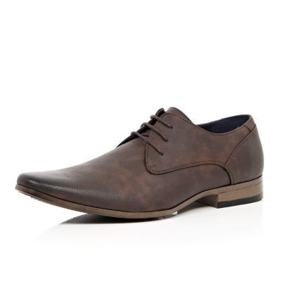 I'm shopping Dark brown pointed toe colour sole shoes in the River Island iPhone app.