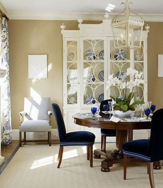 .Decor, Dining Rooms, Blue Velvet, China Cabinets, Chairs, Interiors Design, Diningroom, Colors Schemes, White Cabinets