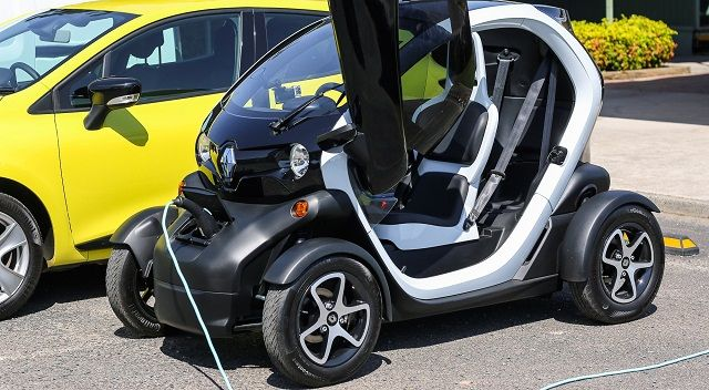2015 Renault Twizy Two seat electric car   Electric Cars 2016