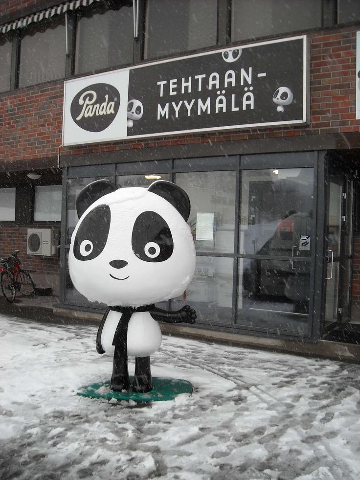 Panda liquorice factory Vaajakoski Finland Pandan tehtaanmyymälä, Vaajakoski, suklaata ja lakua