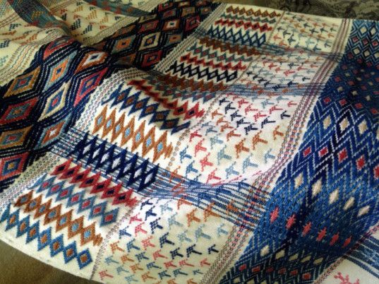 Studio Naenna Produces Stunning Handwoven Eco-Textiles in Thailand - http://www.ecouterre.com/studio-naenna-produces-stunning-handwoven-eco-textiles-in-thailand