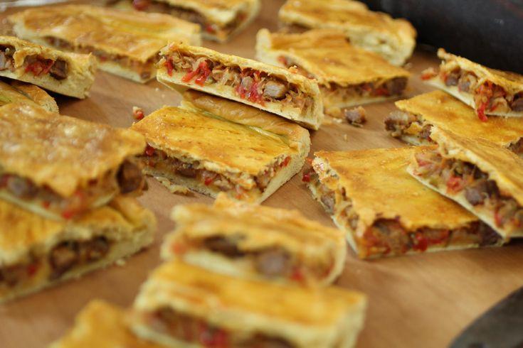 Hoy preparamos Empanada de lomo para todos vosotros, una receta de 'toma pan y moja'