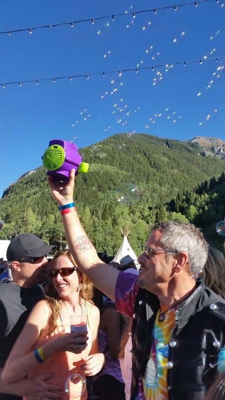 Bubbles for everyone at @tellurideblues