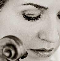 Anne Sophie Mutter, such a lady and such a violinist.