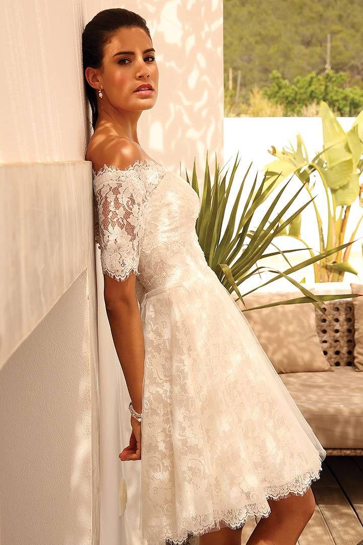 Short lace Bridal dress & off shoulder bolero