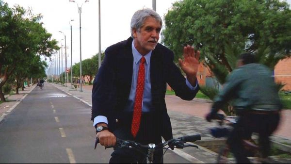 Enrique Penalosa, leader of the anti-subsidized-cars movement, and occasionally mayor of Bogata.